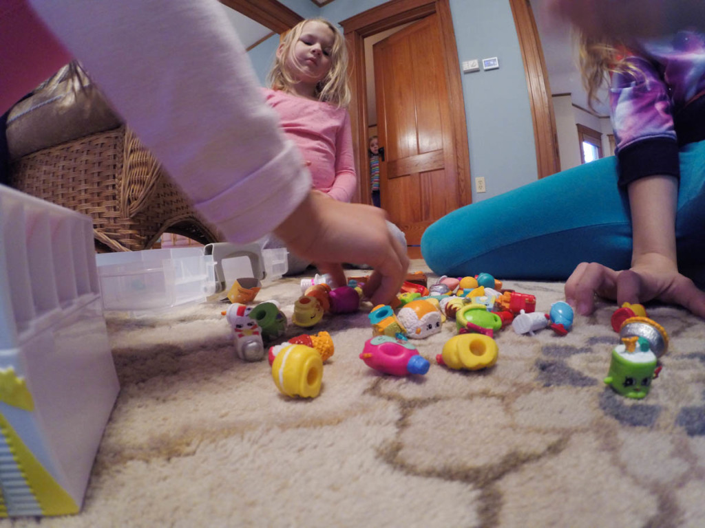 How to take GoPro Photos Indoors - Tips from VidProMom